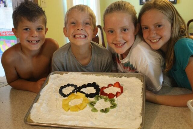 Olympic ring fruit pizza